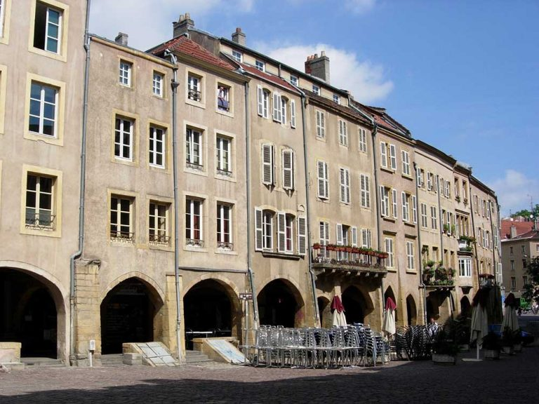 Metz place saint louis